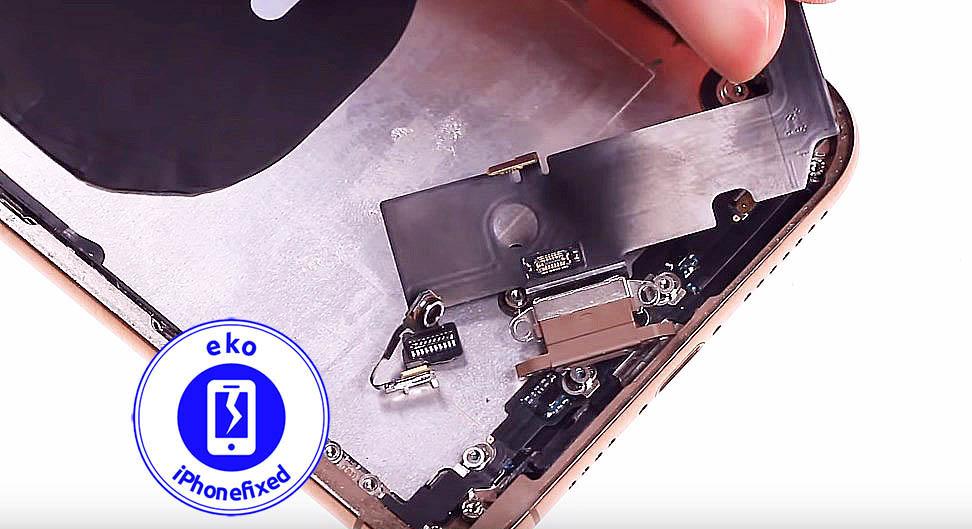 iPhone-xs-max-oplaad-connector-vervangen-te koksijde-1
